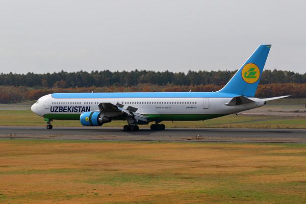 Boeing767 UK67005 UzbekistanAirways(1)