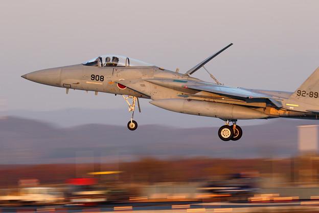F-15J 夕暮れ時のlanding 201sq 908