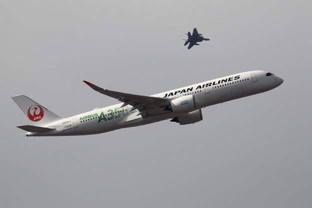 A350 JA03XJ JAL takeoff