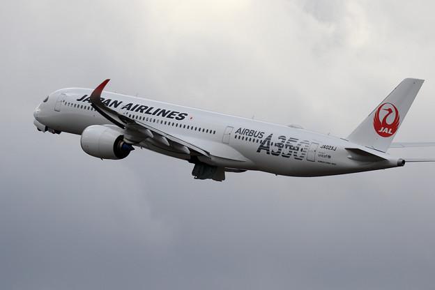 A350 JA02XJ JAL takeoff