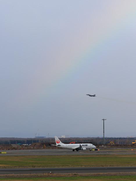ERJ-170+F-15 虹かかる
