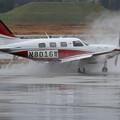 Photos: Piper PA46-500TP N8016W 水しぶき