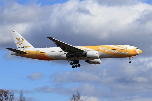 Photos: Boeing777 Nokscoot HS-XBC approach