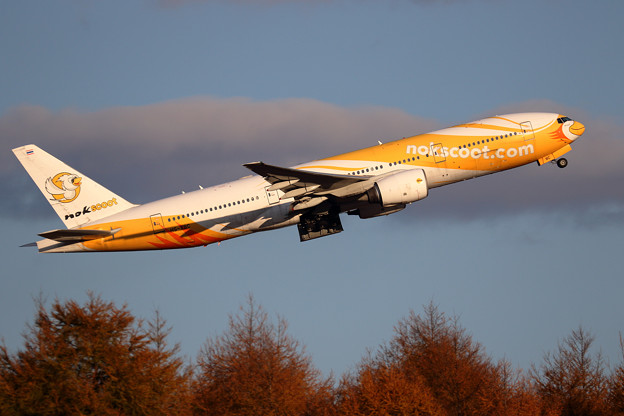 Boeing777 Nokscoot HS-XBC takeoff