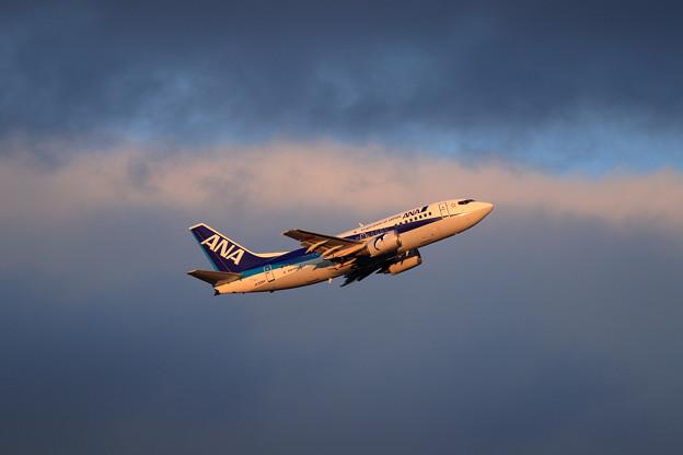 Boeing737-500 JA306K 夕暮れ時