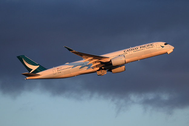 A350 CPA B-LQB 夕暮れ時