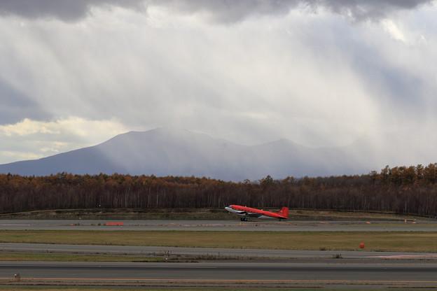 DC-3T/Basler BT-67 C-FBKB 南方へ向け出発(1)