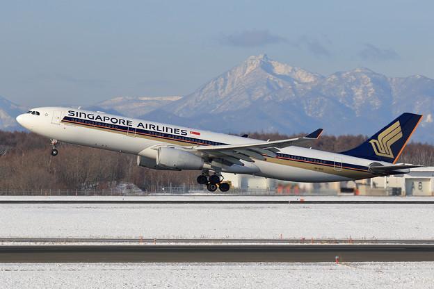 A330 SQ661 9V-SSC takeoff (1)
