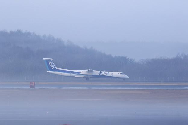 Q400 AKX 霧の朝