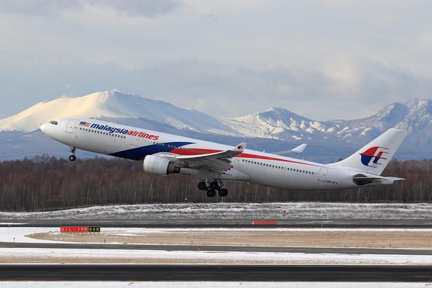 A330 MAS 9M-MTA takeoff