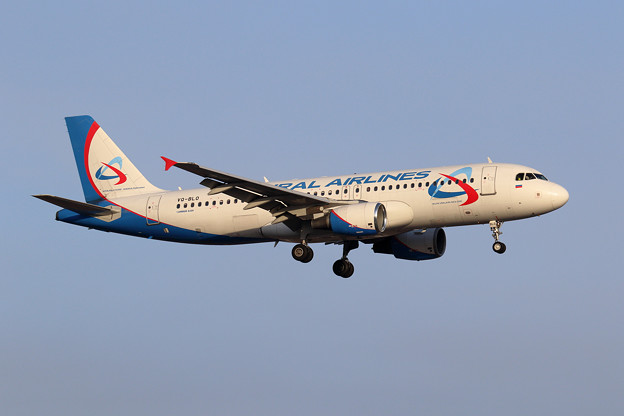 A320 URAL Airlines VQ-BLO approach
