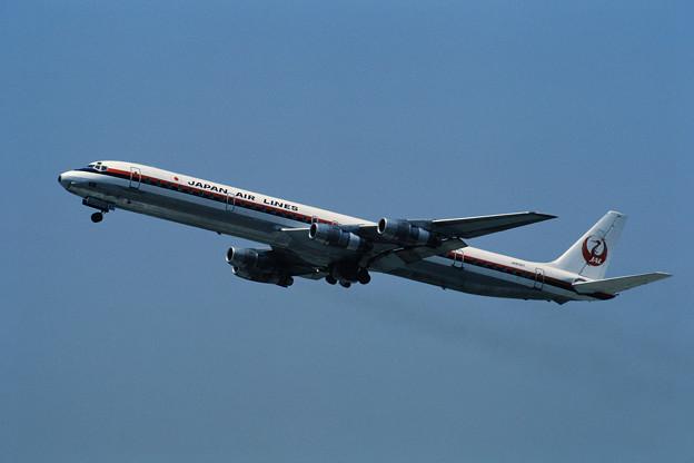 DC-8-61 JAL JA8067 CTS 1980.05