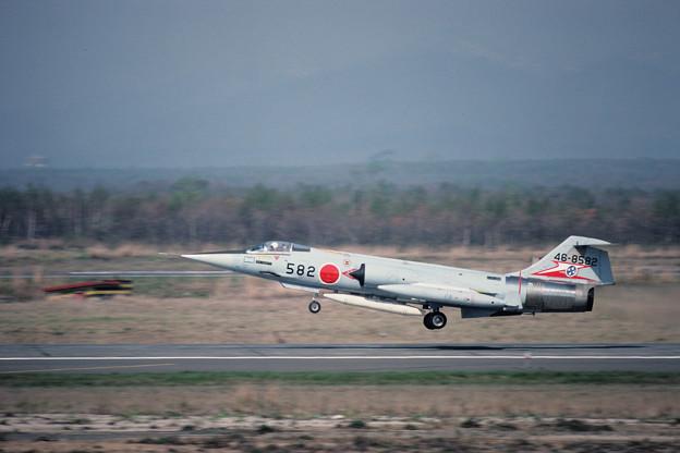 F-104J 46-8582 207sq CTS 1981.05 (1)
