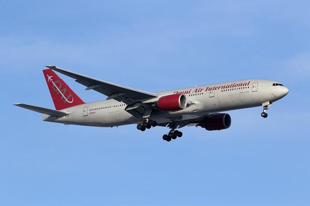 Boeing777 Omni Air International N819AX Rwy18L approach