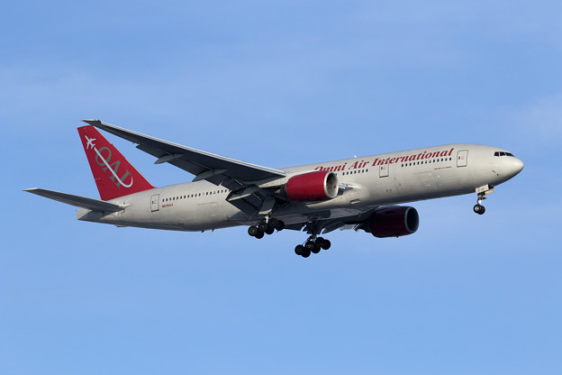 Boeing777 Omni Air International N819AX Rwy18L approach