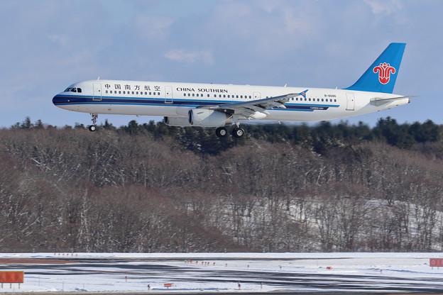 A321 南方航空 B-6686 approach