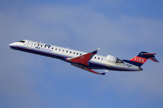 CRJ-700 IBEX JA11RJ takeoff