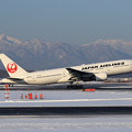 Photos: Boeing777 JAL JA772J takeoff