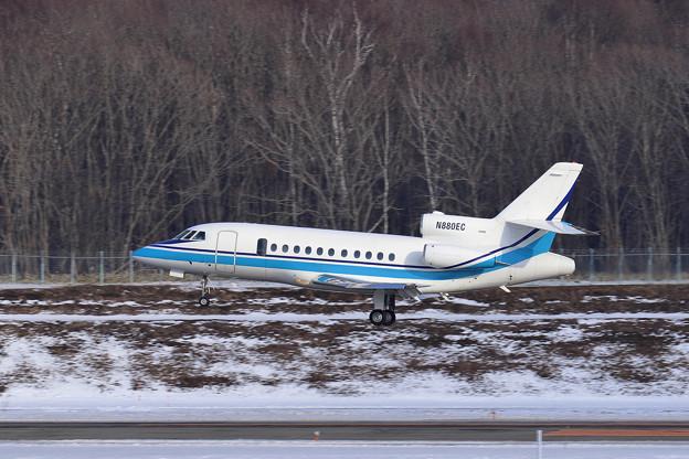 Falcon900 N880EC (exJA8571 JCG) ferry (1)