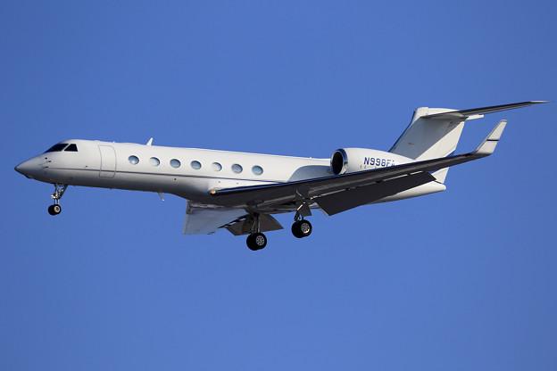 Gulfstream G550 N998FA approach