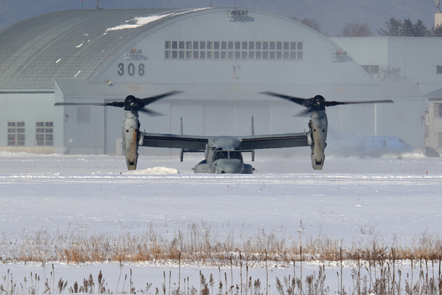 MV-22B 168283 ET-02 VMM-262 takeoff (2)