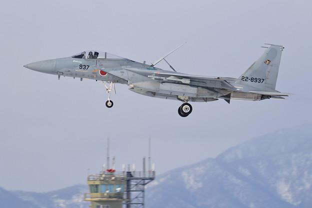 F-15J 937 201sq landing