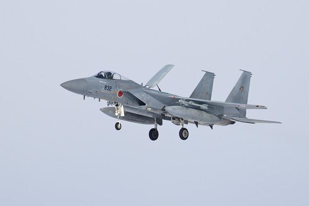 F-15J 832 201sq landing