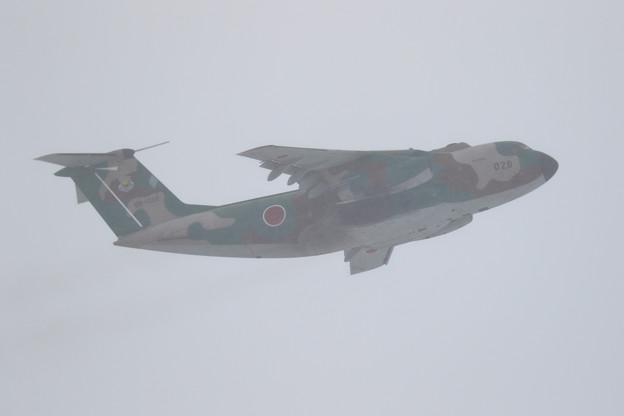 C-1 1028 402sq 雪の中takeoff