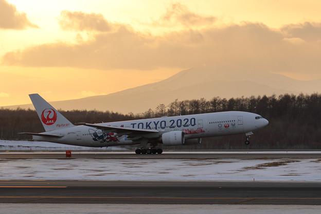 Boeing777 JAL TOKYO2020 JA773J takeoff