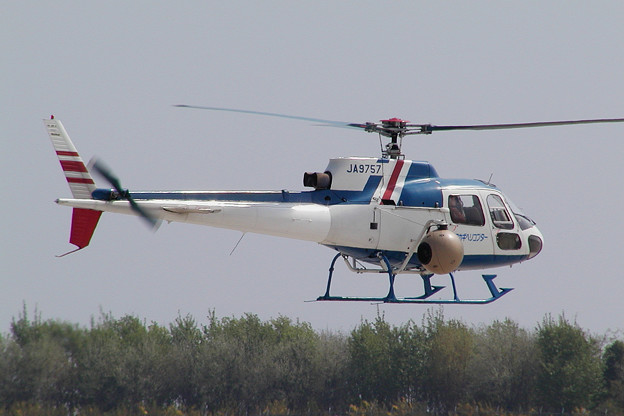 Aerospatiale AS350B JA9757 HKD 2007.05
