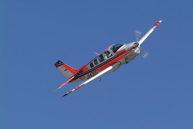 Beech A36 Bonanza JA4220 航大 OKD 2004.09