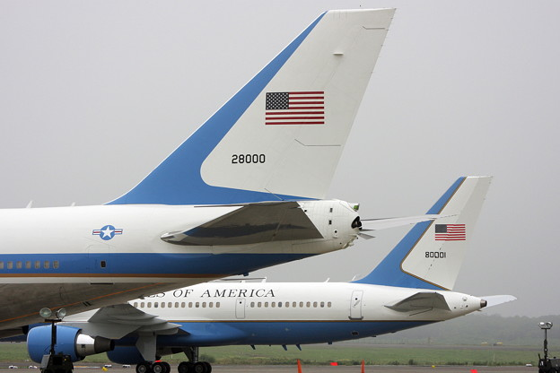 Boeing VC-25A 28000とC-32 98-0001 CTS 2008.07