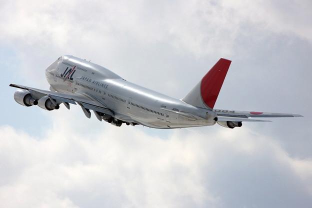 B747-446 JA8084 JAL Last takeoff CTS 2011.02