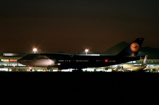 B747-430 D-ABVN Lufthansa DLH [LH] CTS 1992.09