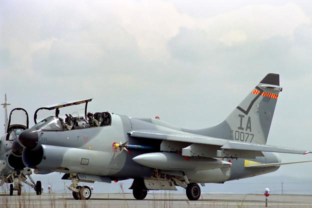 A-7K 81-0077 IA ANG CTS 1991.10(2)