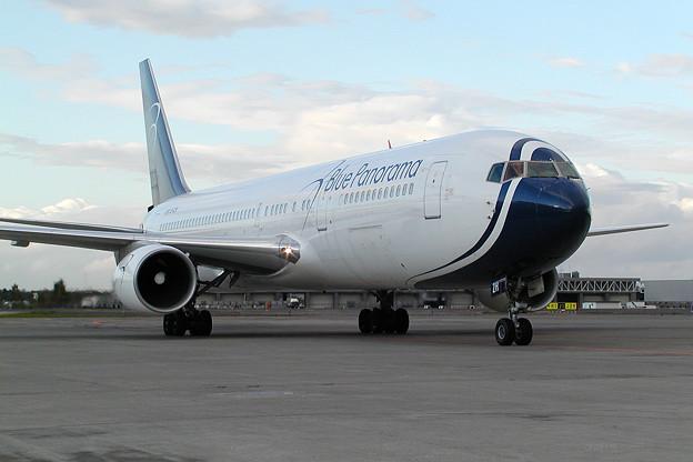 B767-300 EI-CZH BluePanorama 2005.10