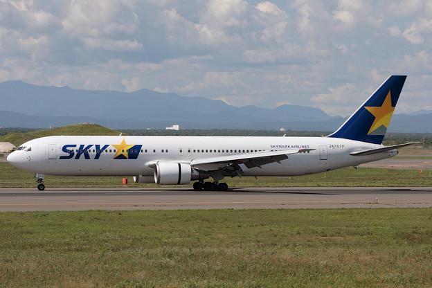 B767-300 JA767F SKY CTS 2006.09