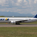 Photos: B767-300 JA767F SKY CTS 2006.09