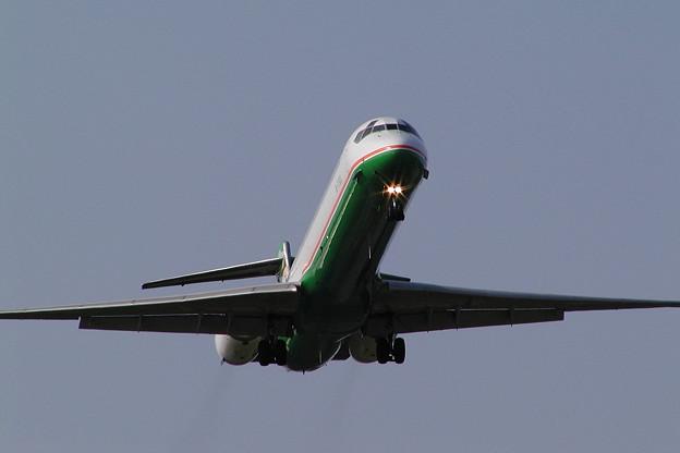 MD-90 B-17923 EVA CTS 2004.07