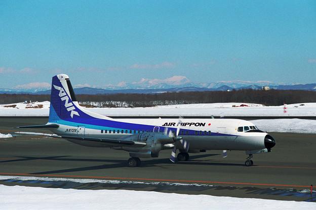 YS-11A JA8729 ANK CTS 1995(1)