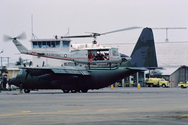 UH-1N 69-6645 459AS 横田 1984.10