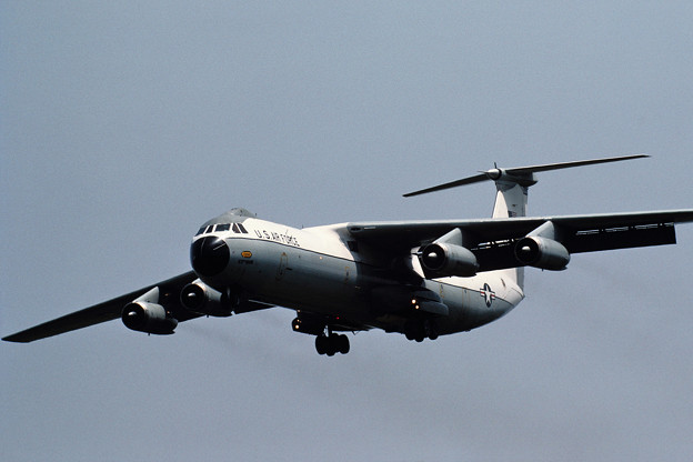 C-141B 66-7958 63MAW 1983.06