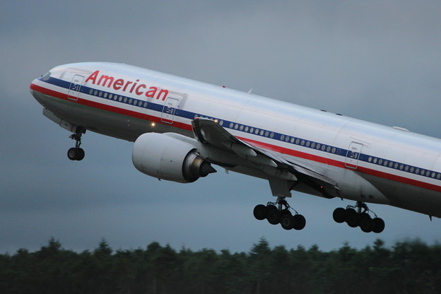 B777-200 N751AN AmericanAirlines CTS 2006.08(2)