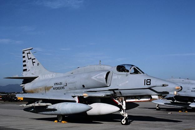 A-4M 159786 CF-18 VMA-211 RJFZ 1987.11
