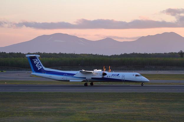 Q400 JA462A ANAwings 2015.05