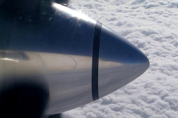 SAAB 340 雲上をゆく (2)