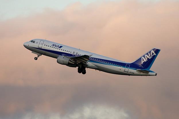 A320 JA201A ANA CTS 2006.09
