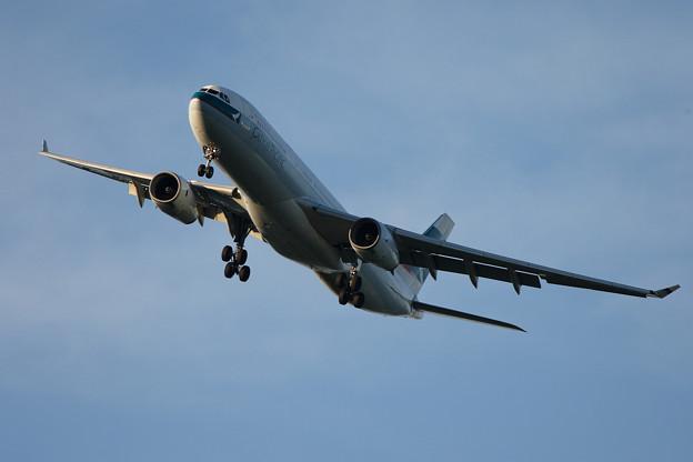 A330-300 B-HLJ CPA CTS 2006.08