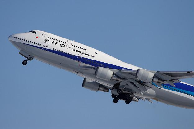 Photos: B747-481 JA8965 全日空 CTS 2005.12