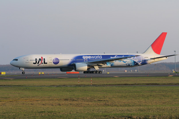 B777-300 JA8941 JAL OneWorld 2007.05